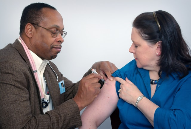 Lancet: Premature vaccination of COVID-19 booster shots may be risky